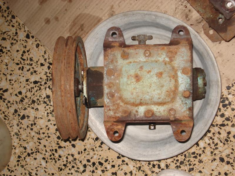 Ayuda:  para desarmar el cabezal de un compresor marca DELFAR J16grn