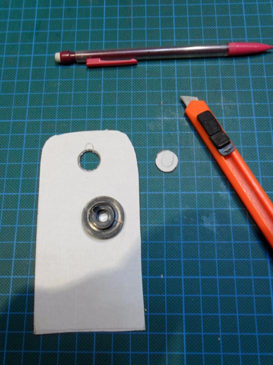 Como fabricar una barata super-lupa con el teléfono móvil. O6xw83