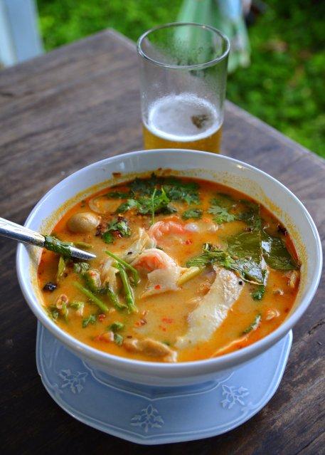 Fotos con precios de los diferentes platos y comidas tailandesas Qrbxav