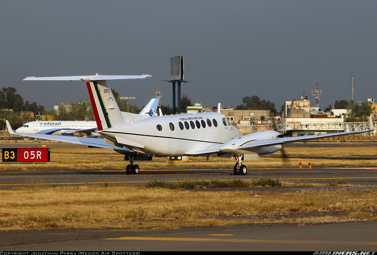 Beechcraft   King Air  FAM - Página 2 S1qm3a