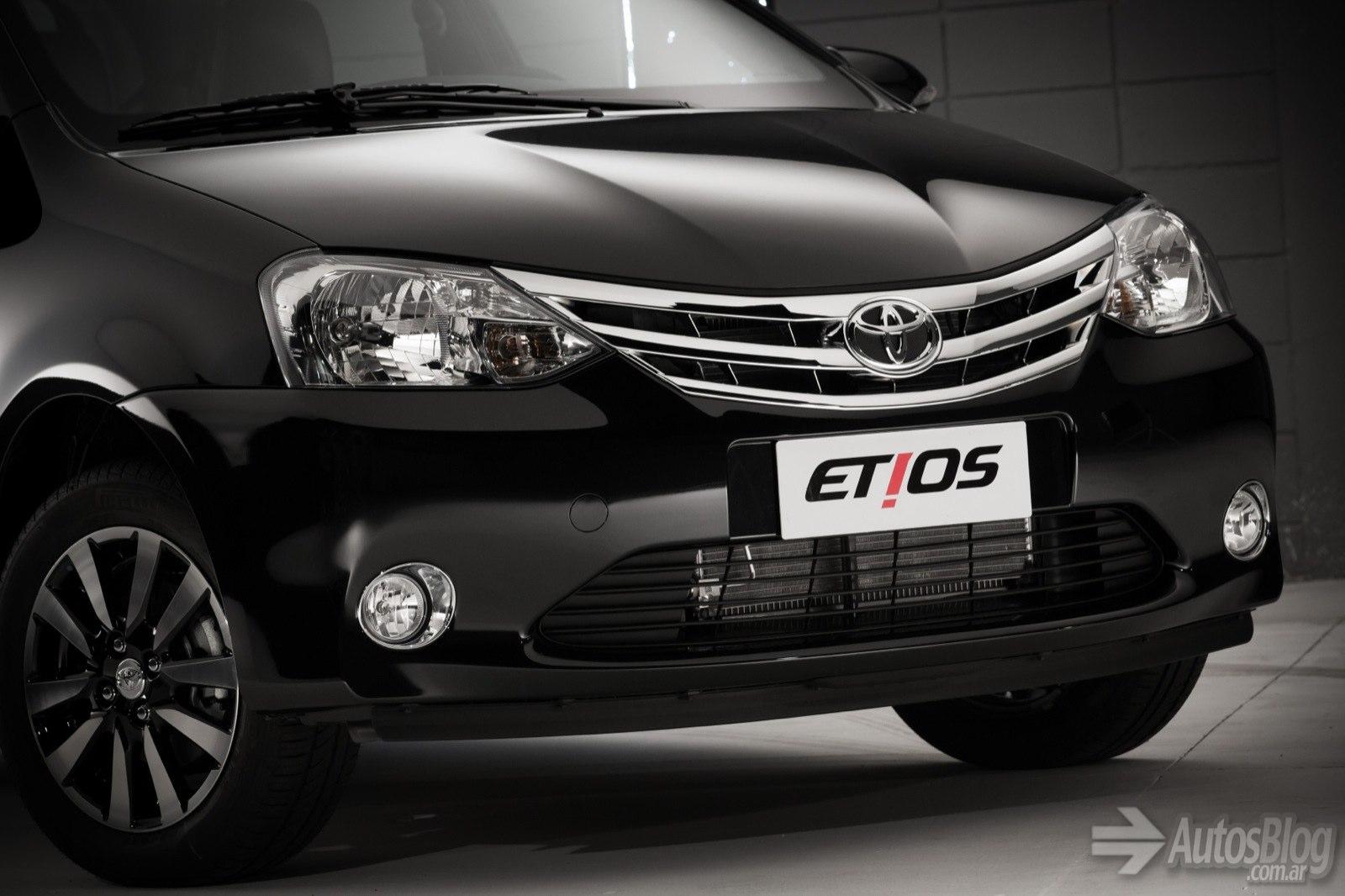 Nuevo Toyota Etios 2015 T6w0lx