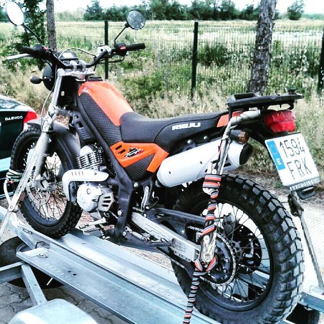 Saludos de una motera aún sin moto desde Zaragoza T7d4pt