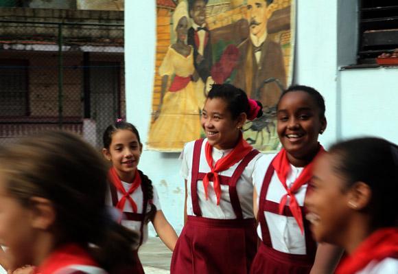 La educacion en Cuba - Página 1 W86rf9