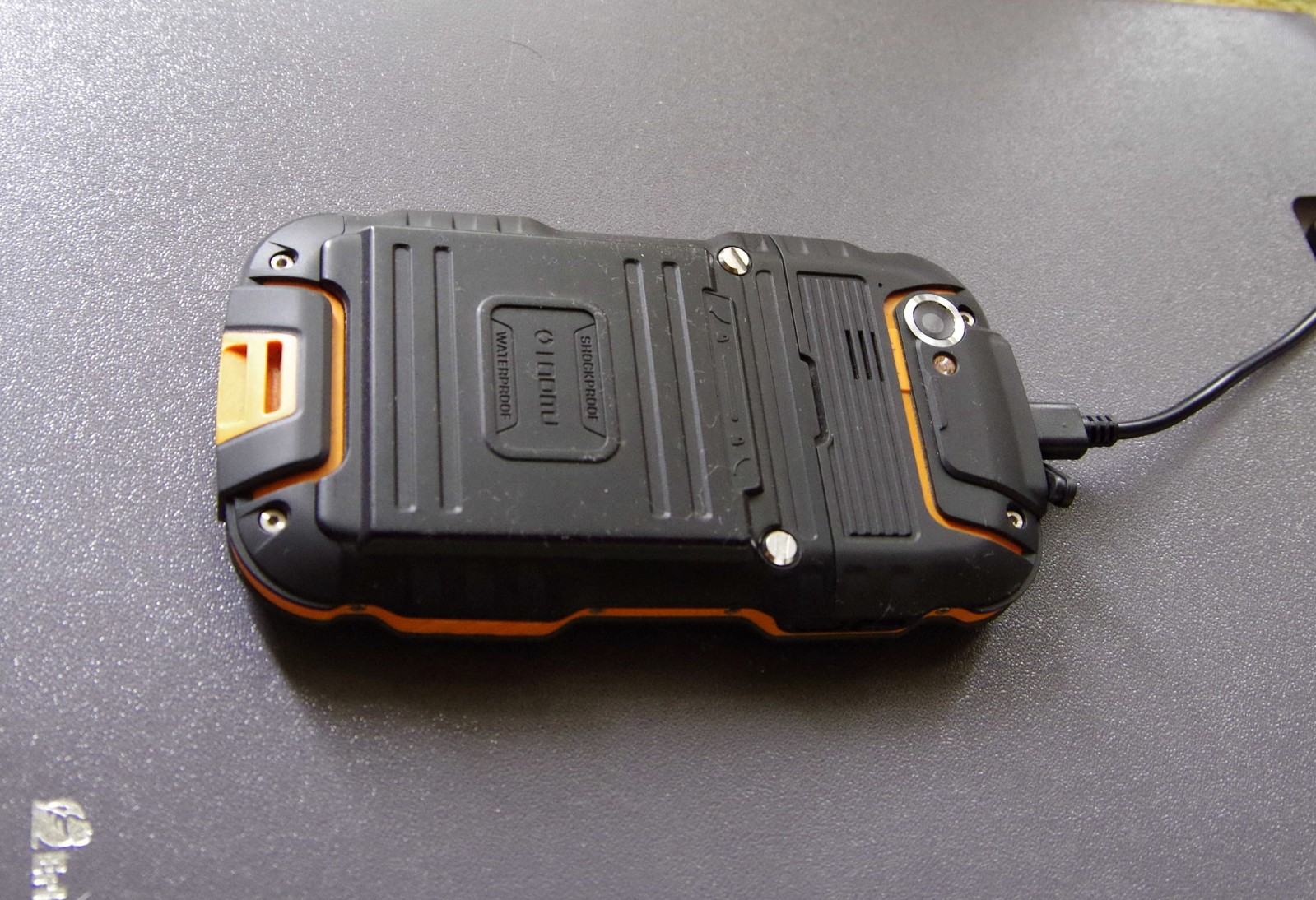 Защищенный телефон OINOM V9 X0zkoz