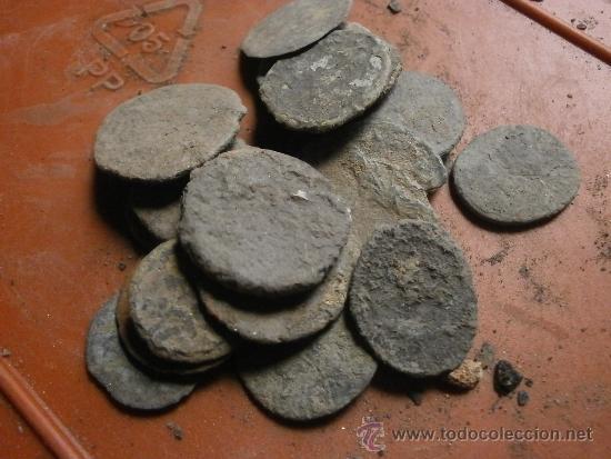 Limpiar/medio restaurar monedas posiblemente romanas 14t3m8j