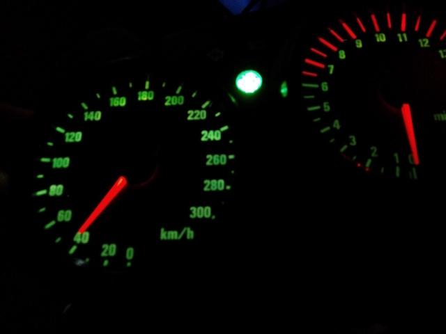 CBR 600 F4 sem km / rotações / velocidade e temperatura 1zvfiuq