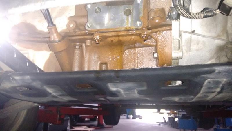 Vazamentro de óleo no adaptador (carcaça suporte) do Filtro de óleo 2dv0ikx