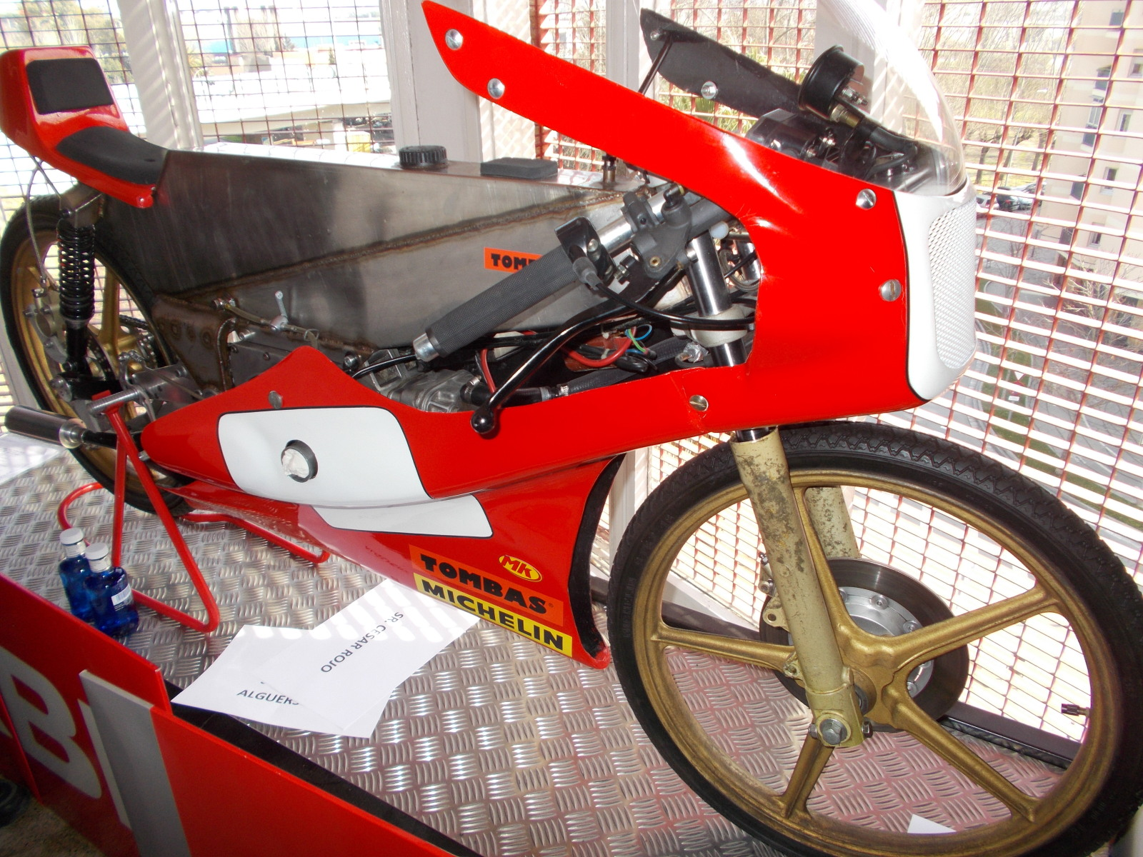 Museo Isern: Homenaje a Paco Tombas 2e2il1s