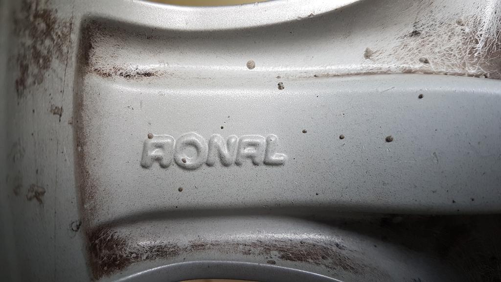 """(VENDO): 1 roda original traseira com pneu 16"""" para R170 SLK até ano 2.000 - R$600,00 2h68wug"""