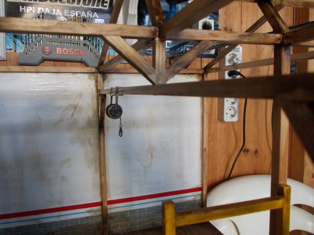 Diorama: garaje-taller crawler escala 1/10 - Página 2 2rc0f0o