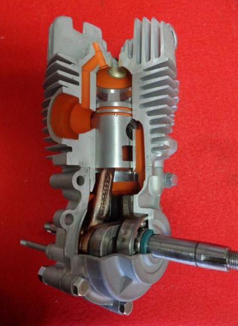 Motor seccionado para exposición 2vjso6w