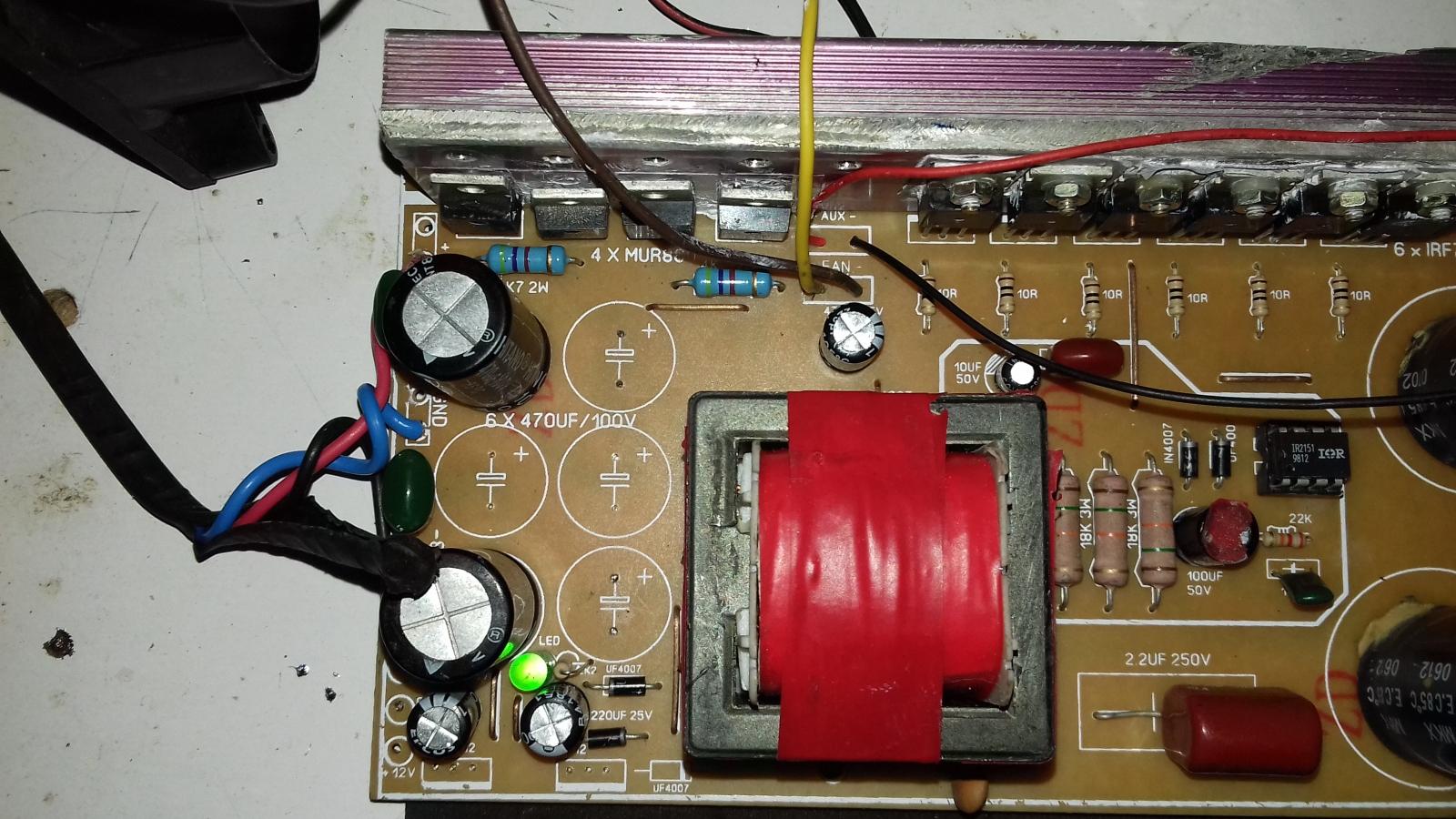 FONTE FUNCIONANDO 110 OU 220V COM 2 MODELOS IR2151 2153 35cefjc
