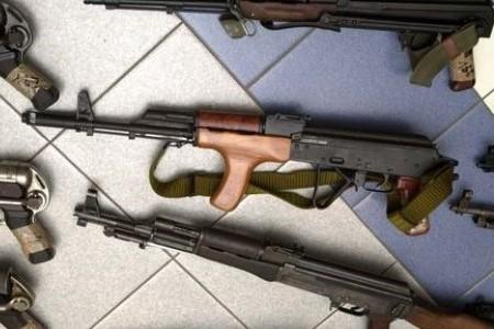 Classement des matériels de guerre, armes, etc. par les douanes 69kg87