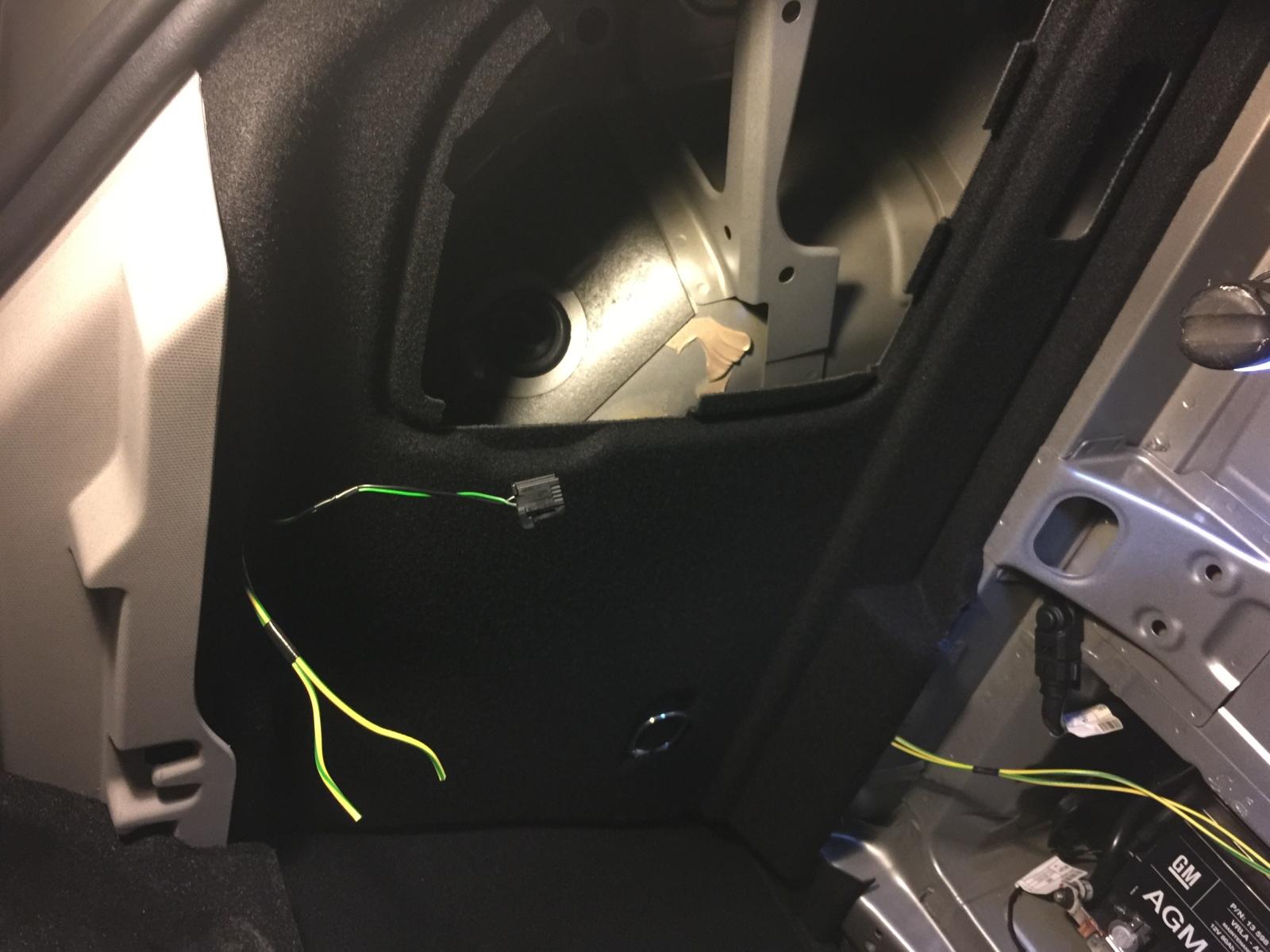 [Brico Astra K] Instalar doble luz en el maletero Akh8w0