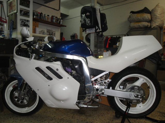 Resucitando Suzuki GSX-R 750 / 90 Dp9ydh
