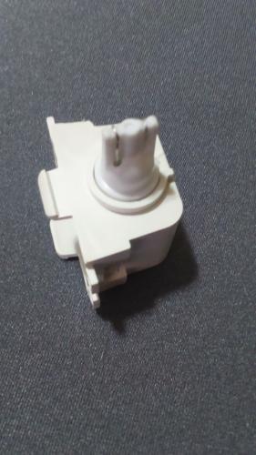 Melhoria na iluminação do porta-luvas Dpv23t