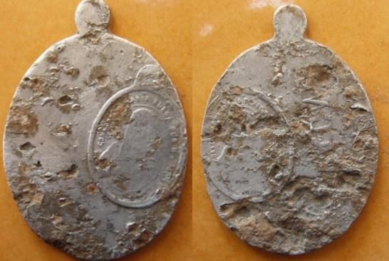 Impresión  de medalla  sobre de  medalla: Sagrado Corazón de Jesús / Sagrado Corazón de María, S. XIX J8gmet