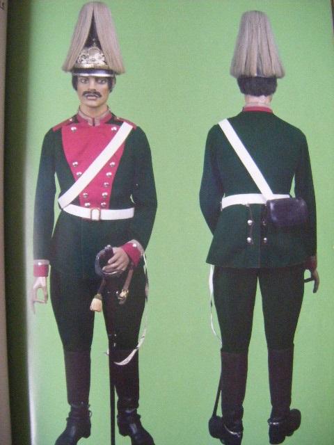 Post sur les coiffures Impériales Allemandes. - Page 22 Mkjdec