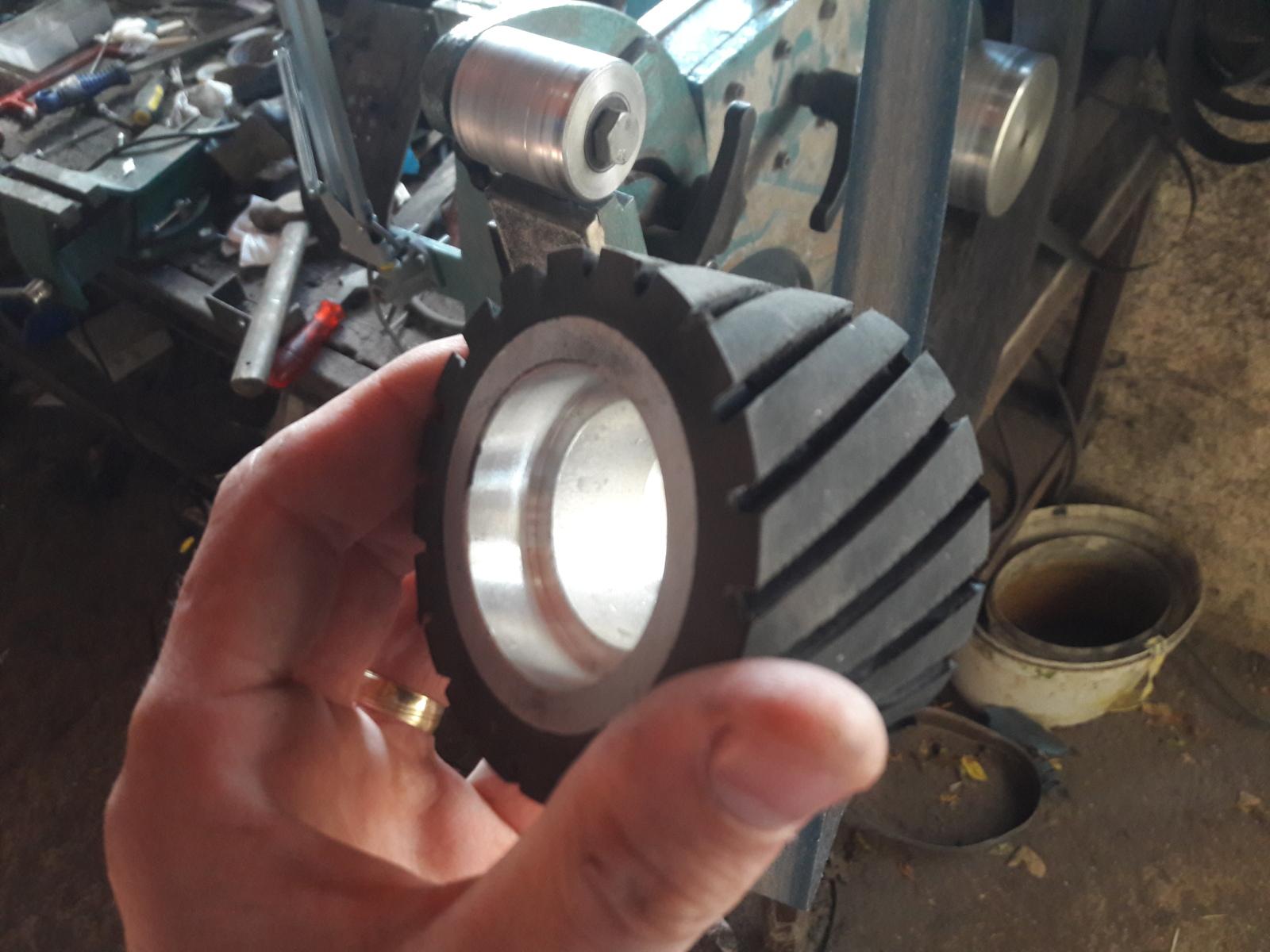 Surface grinder dodatak-izrada Seoqcg