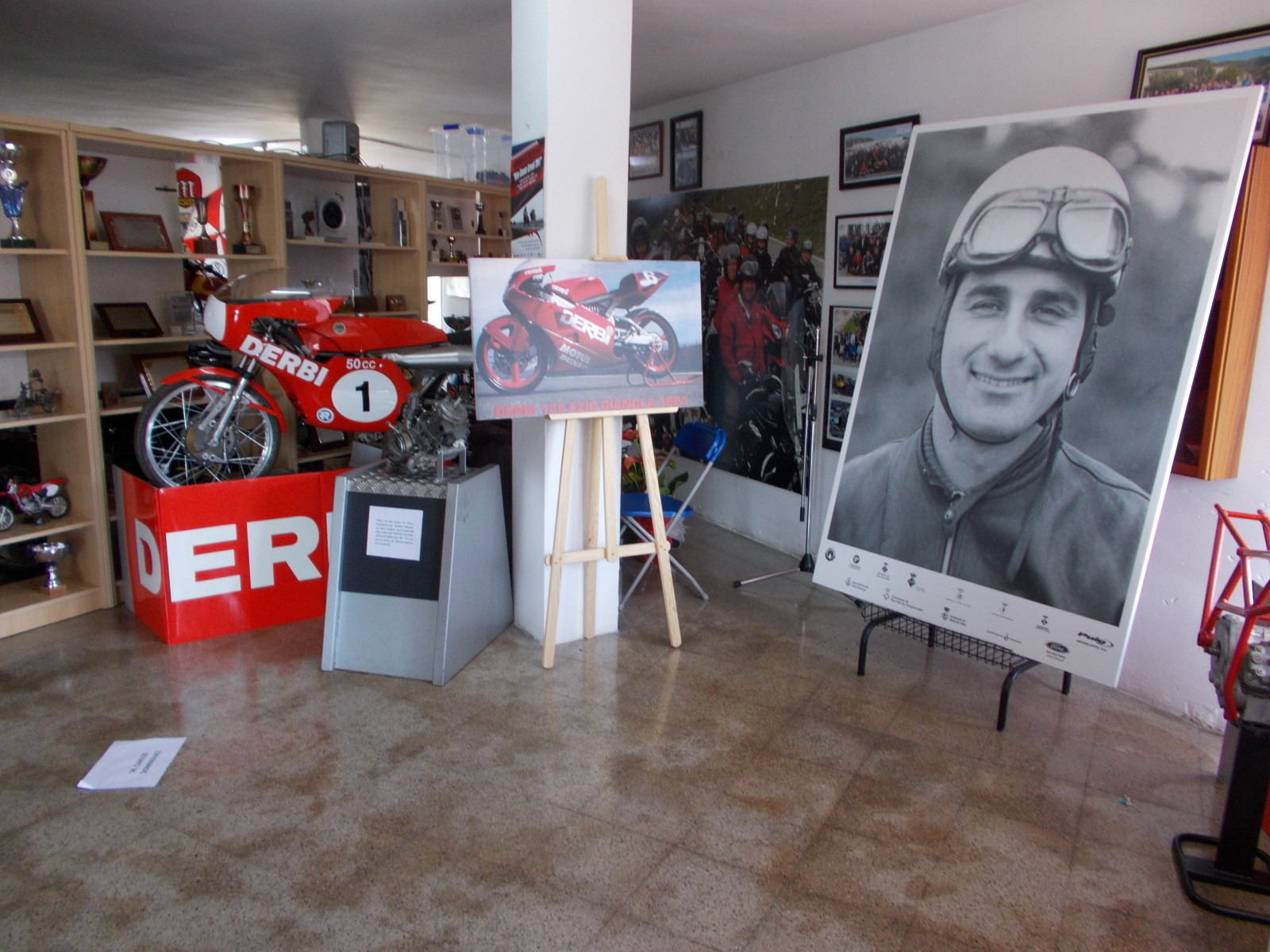 Museo Isern: Homenaje a Paco Tombas Wh1fyv