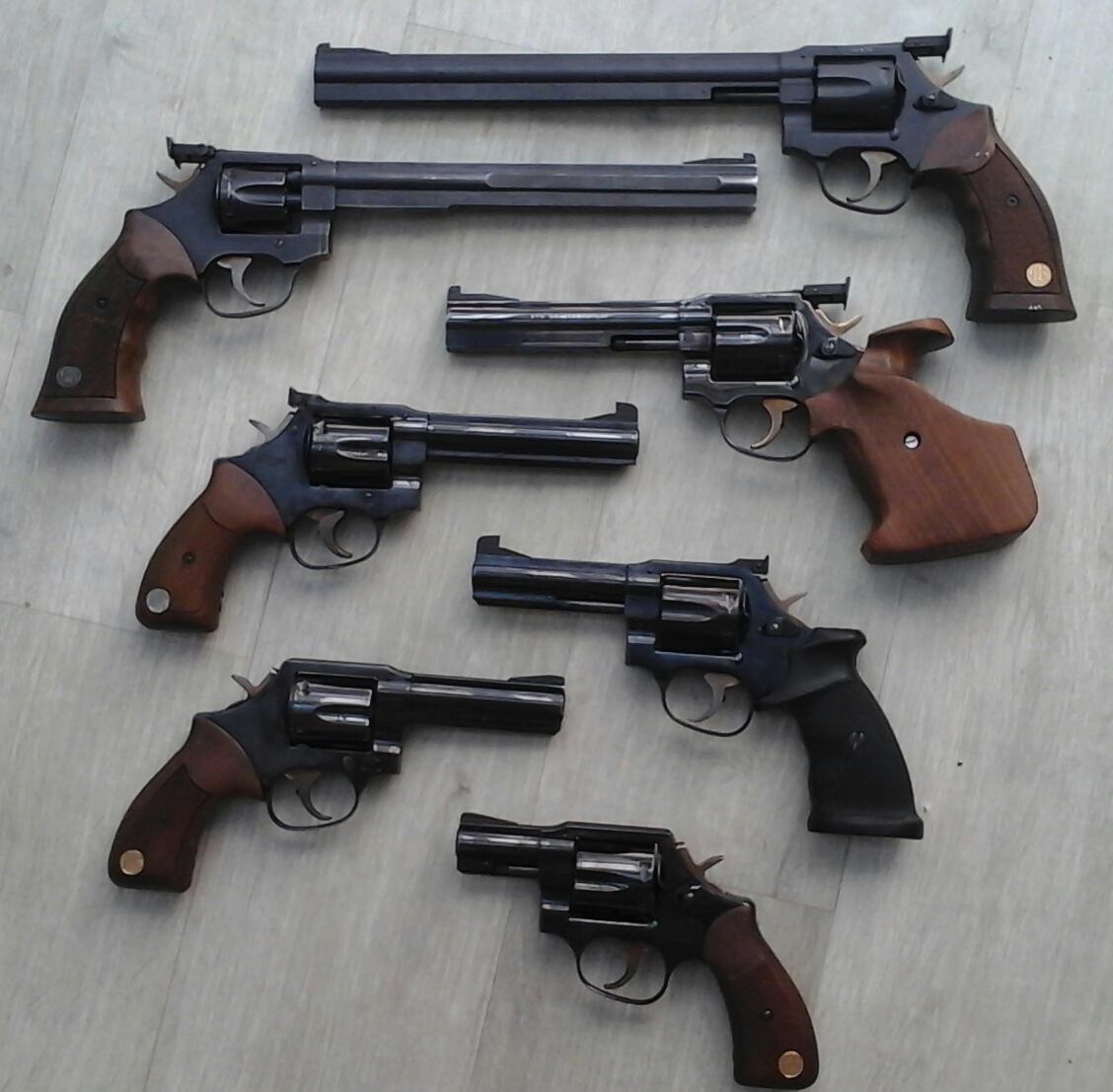 J'aime pas les revolvers....:-) 259a1r4