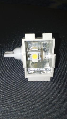 Melhoria na iluminação do porta-luvas 2f06fzb