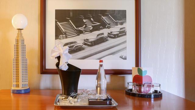 Disney's Hotel New York 2m463vn