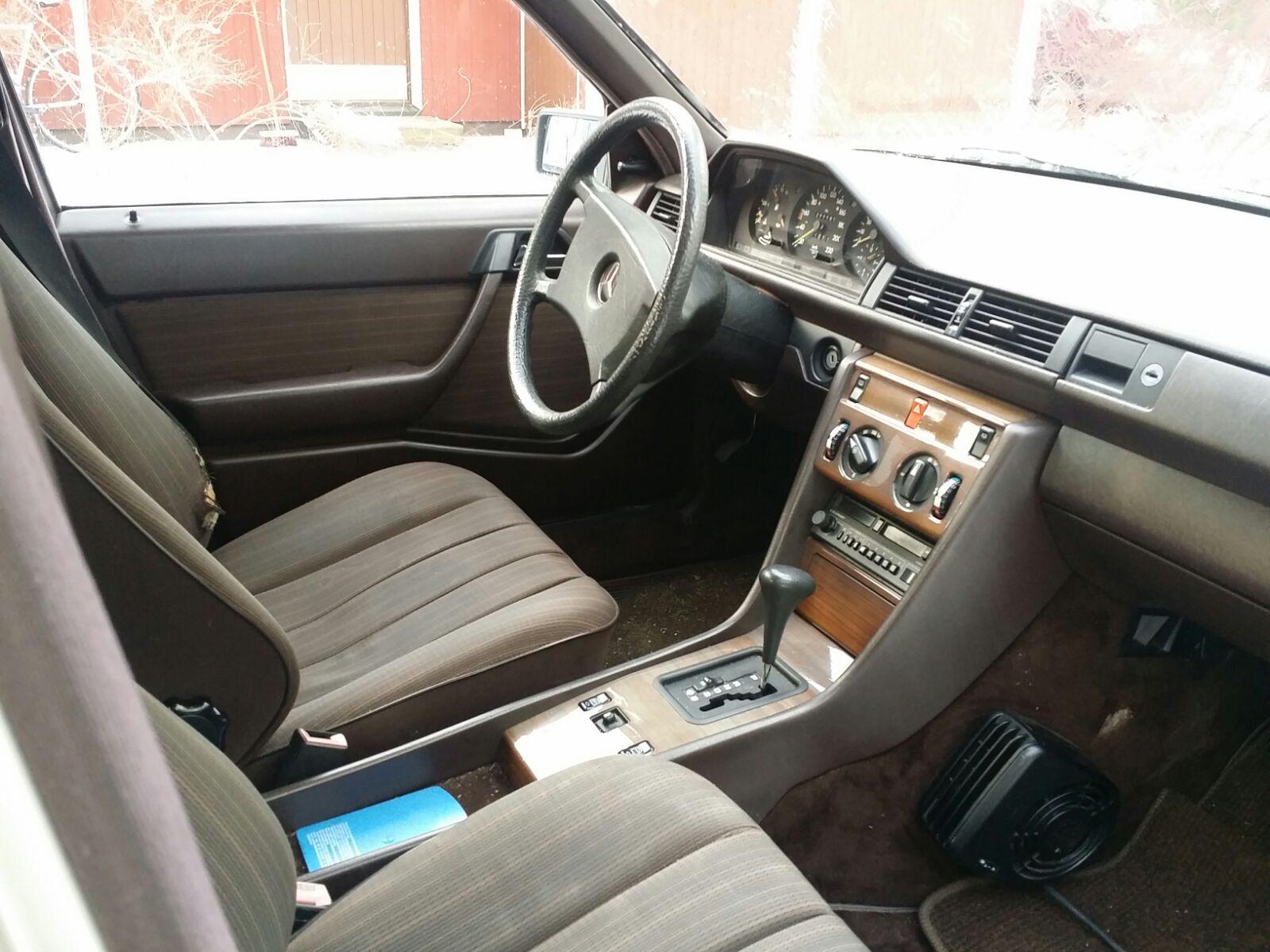 """LarryL: Mercedes-Benz w124 """"Bagged"""" 2zq7ozn"""