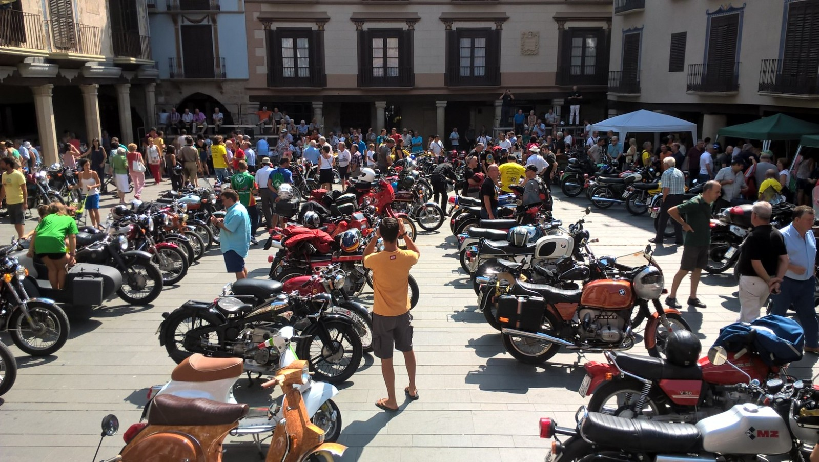 XI concentracion de motos antiguas en Alberuela de tubo (Huesca) 35i7sdl