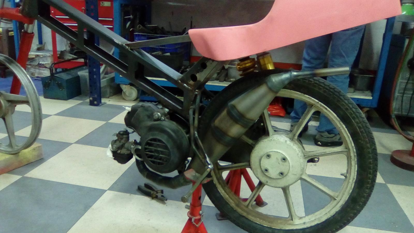 Proyecto Vespino de 65 cc. de Velocidad. - Página 4 Bhmy4m