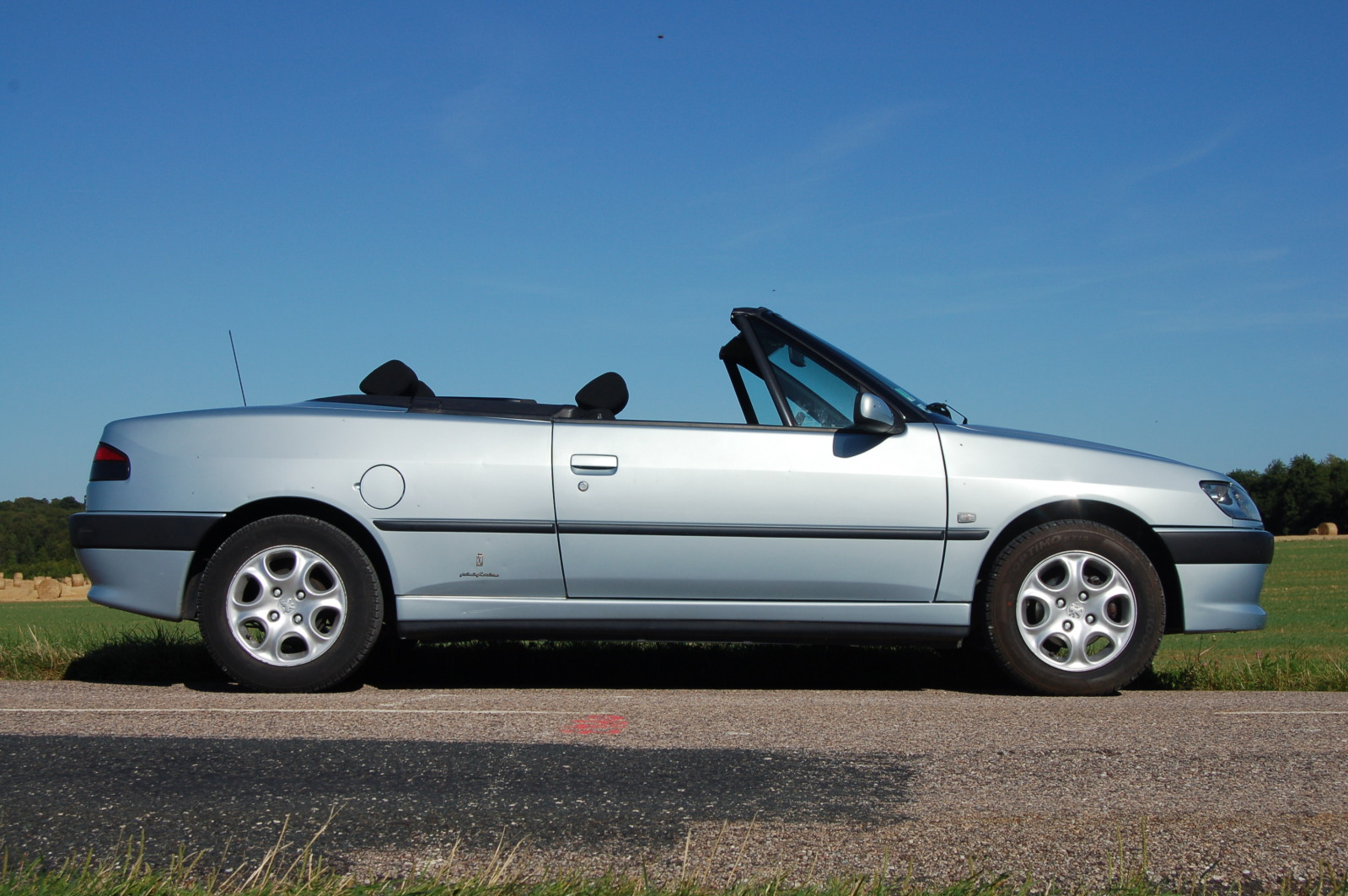 [ FOTOS ] Fase 3 - 2000 - 1,6i 90cv Gris Iceland - El cabrio de Golthlay Fvac81