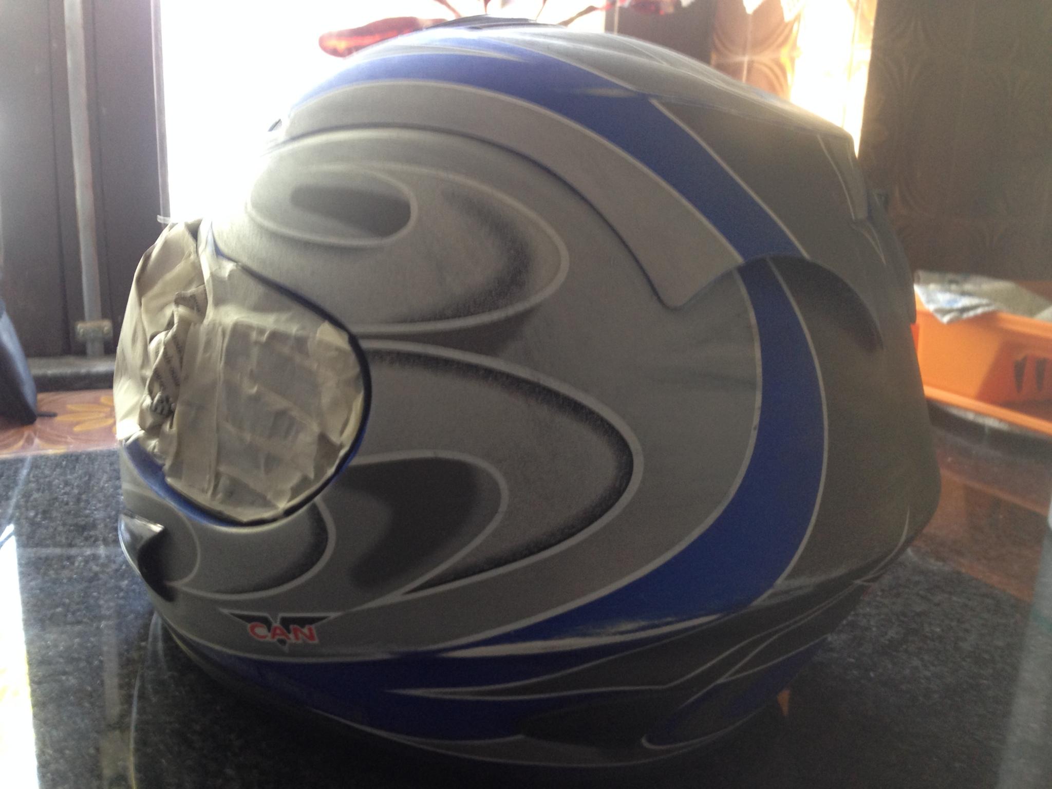 Autocolantes na moto/capacete  Vhsuok