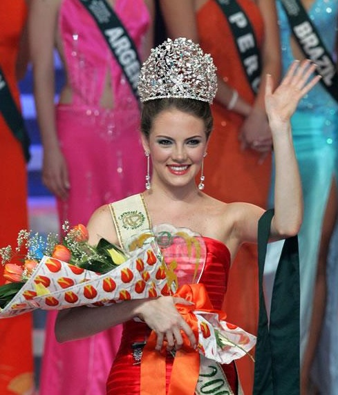 *****MISS EARTH IN HISTORY***** Wbayc2
