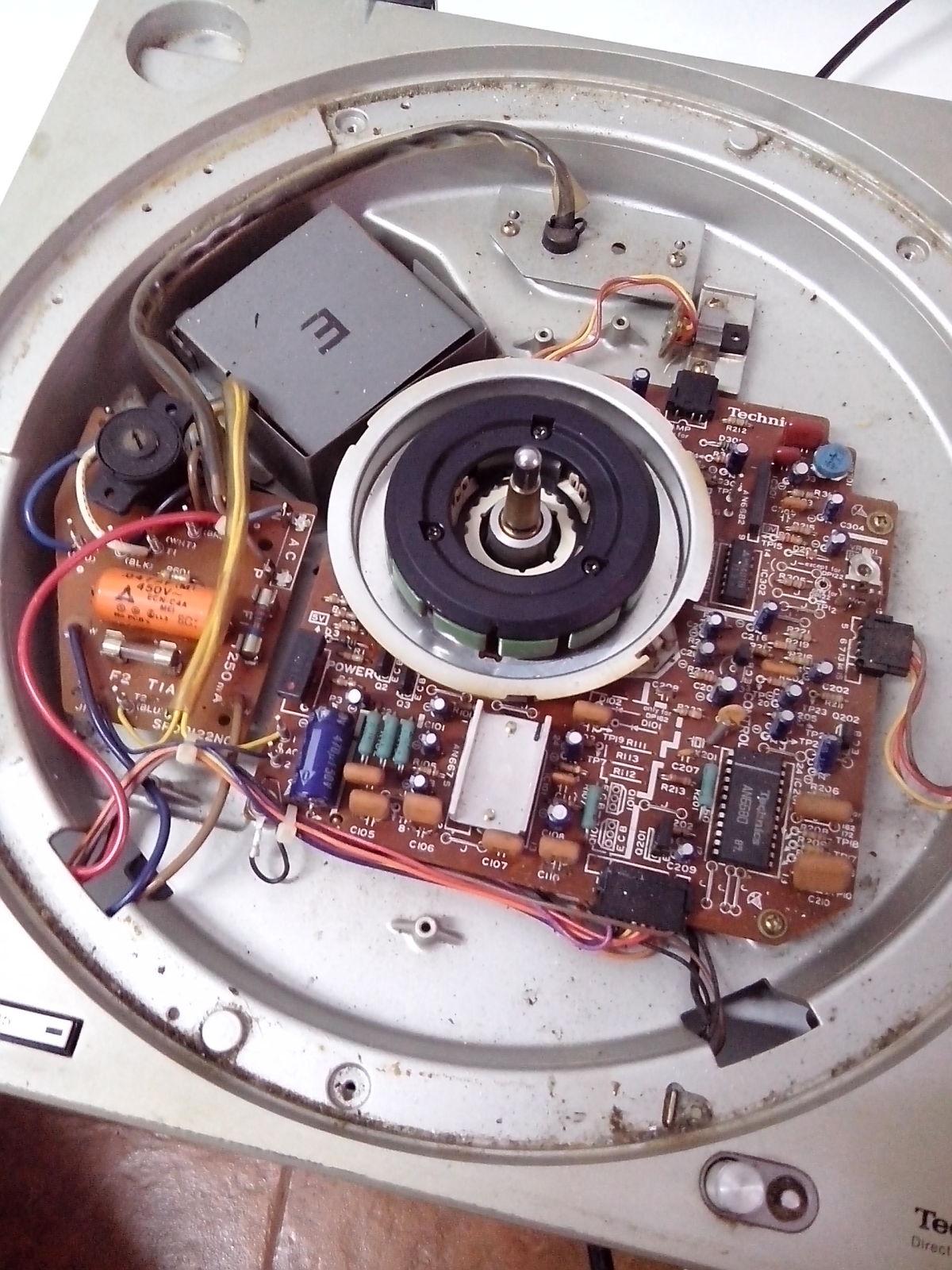 Restauración y mejora de un Technics SL1200 Xm613m