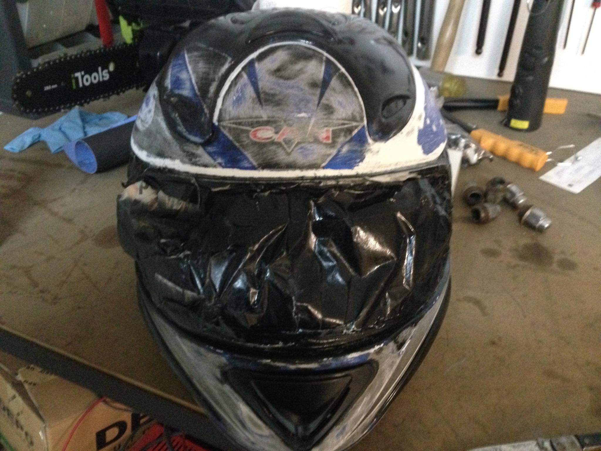 Autocolantes na moto/capacete  103v5ow