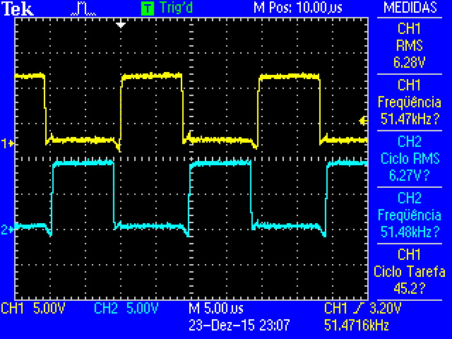 Fonte chaveada automotiva 12V / 38V, resistor aquecendo. 1nz8sn