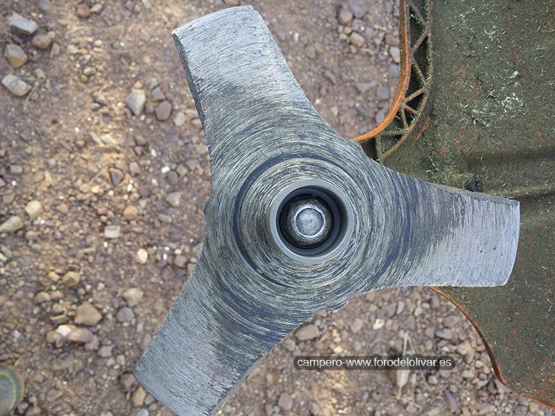 Protección tuerca de sujeción disco desbrozadora 23kre40