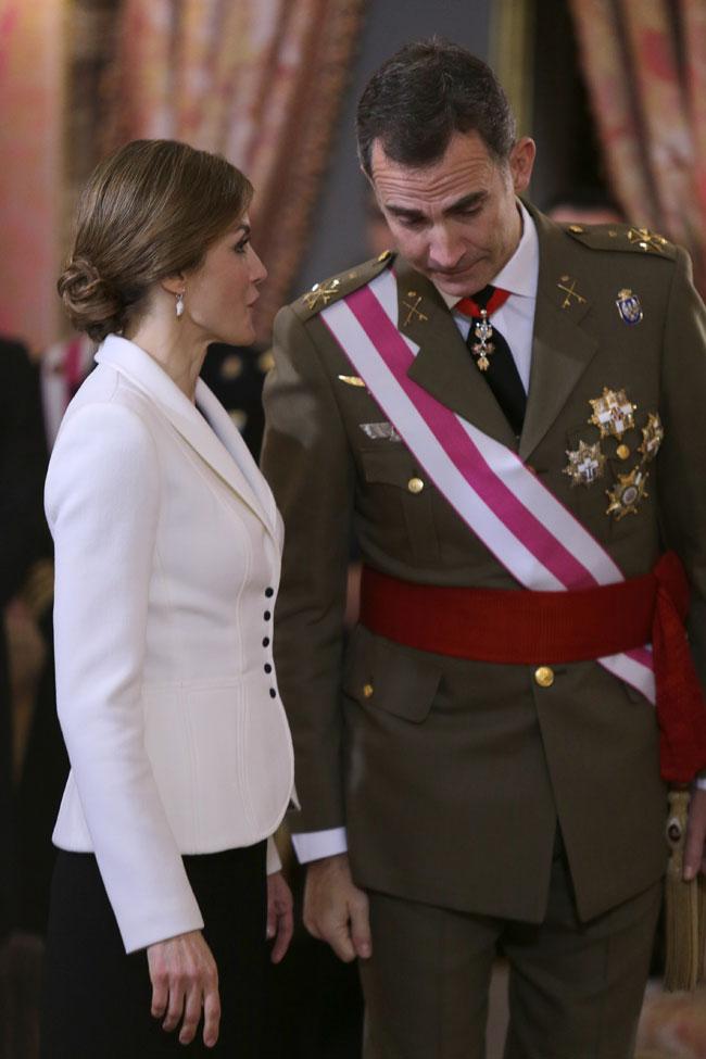 Felipe VI y Letizia - Página 5 25gfgcz