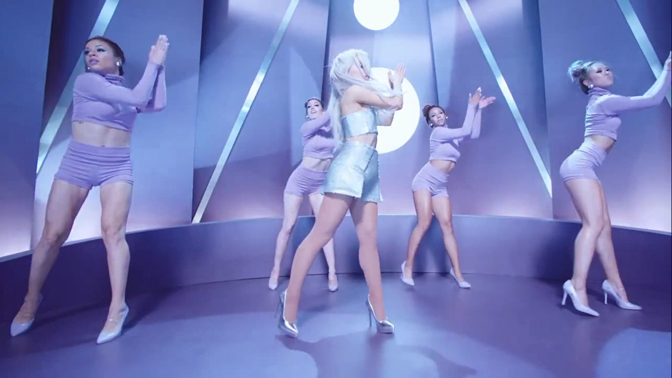 [CLIPE] Ariana Grande - Focus 25jzfyo