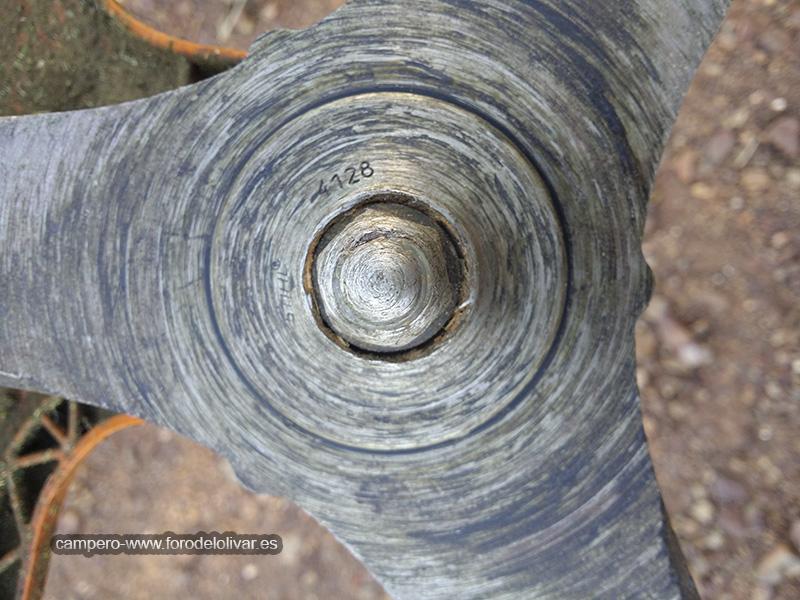 Protección tuerca de sujeción disco desbrozadora 25s95hs