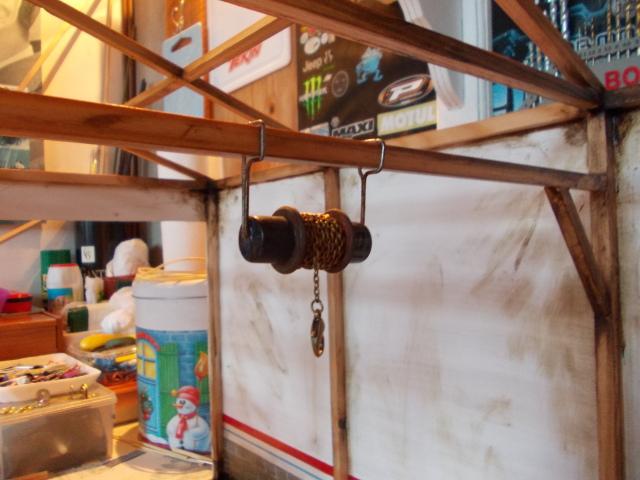 Diorama: garaje-taller crawler escala 1/10 - Página 2 26240f7
