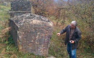 Bosnia, Illyrians and tombstones – beginning of European civilization  2uqc4th