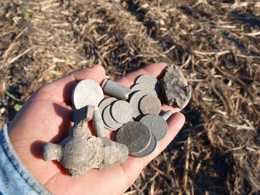 Siempre es agradable encontrar una moneda de plata……. 2w7mx6d