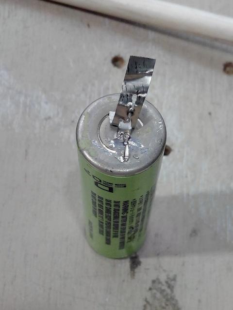 Baterías de celdas 18650 con soldador por puntos Casero. 2wcnxuc