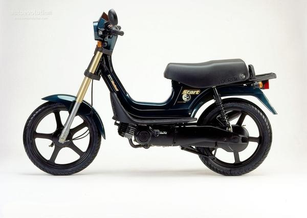 40 años de la Derbi Variant 2ymhog2