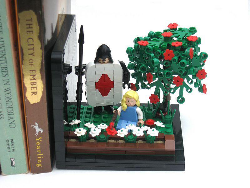 Στηρίγματα βιβλίων από LEGO - Σελίδα 2 33etx8m