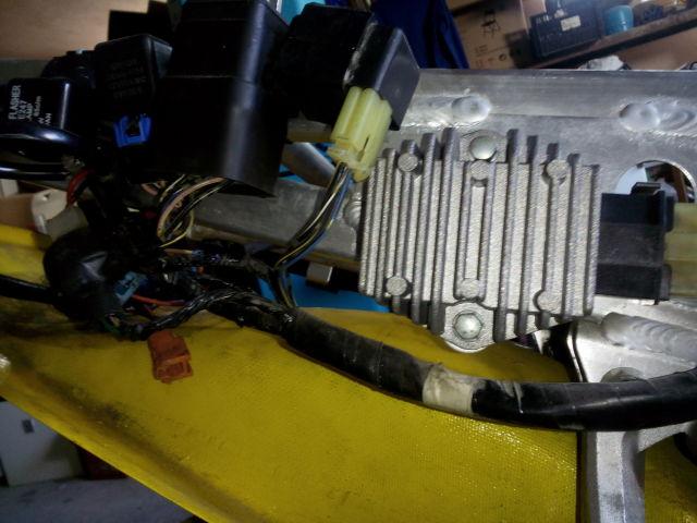 CBR 600 F4 sem km / rotações / velocidade e temperatura 8yi0j7