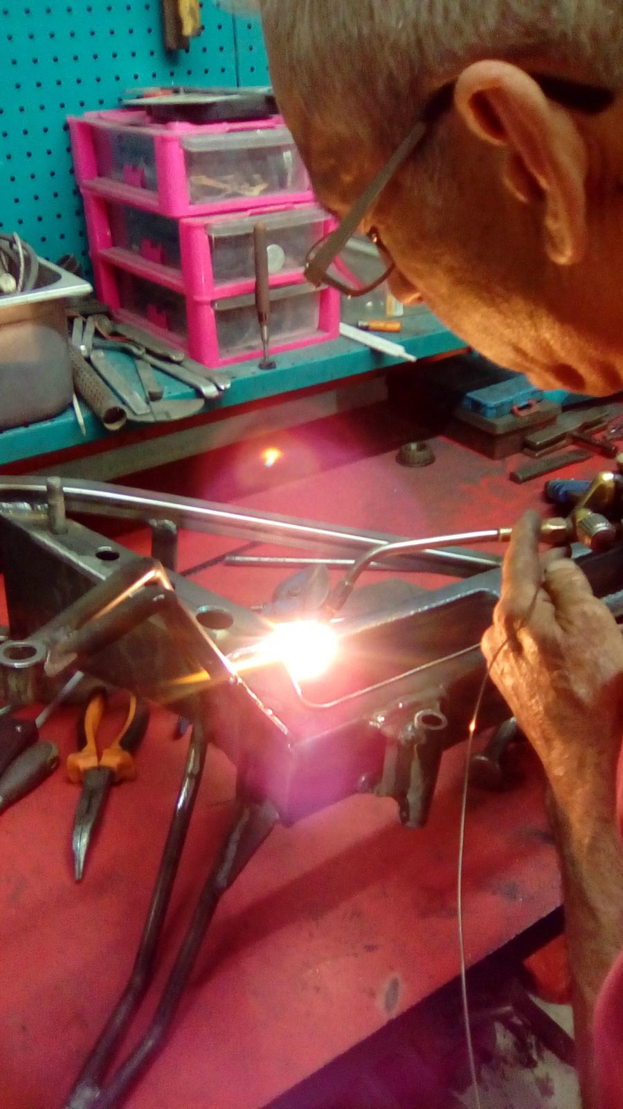 Proyecto Vespino de 65 cc. de Velocidad. - Página 4 Fuf7n