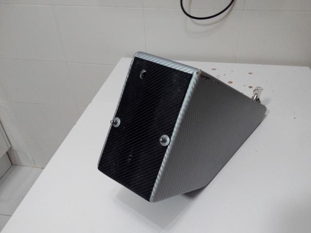 Caja para baterías en el cuadro de fibra de vidrio y epoxi Jfbtl2