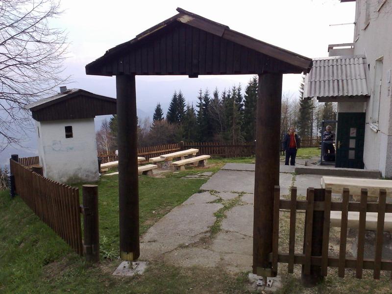 Karaula 'Kapunar' - granični odsek Maribor - Page 2 Nn07lz